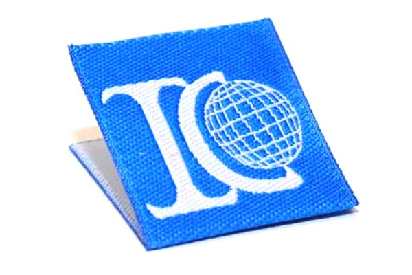 Center Fold Woven Labels